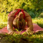 yin yoga oefening: vooroverbuiging