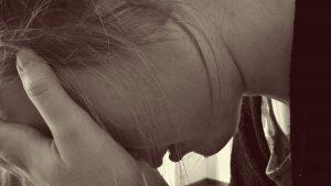 depressieve vrouw heeft verdriet
