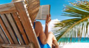 lezen-vakantie-strand-palmboom