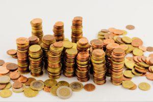 euro munten opgestapeld