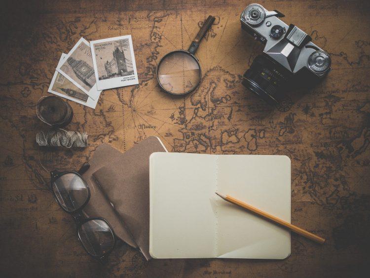 een strong willed iemand is ondernemend en heeft bijvoorbeeld reis plannen