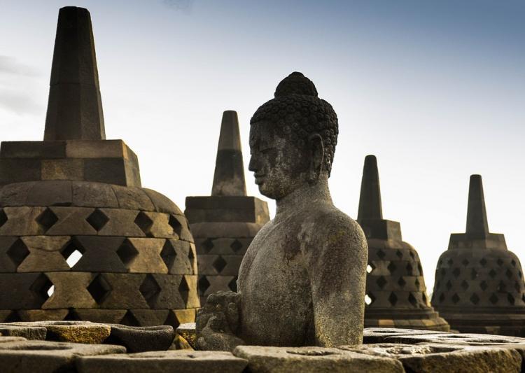 Boeddhabeeld bij Borobudur in Indonesië