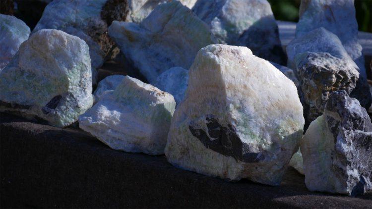 zeven mineralen kristallen