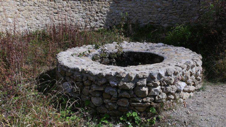 Bosnische Piramide van de Zon stenen cirkel