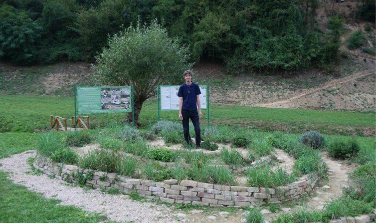Park Ravne 2 Spiral Aromatic Healing Garden