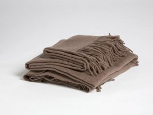 bruine plaid van Yumeko