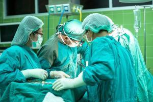 artsen die opereren