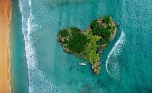 eiland in de vorm van een hart